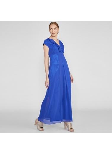 Vekem-Limited Edition Kolsuz V Yakalı Yakada Fırfır Detaylı Uzun Elbise Saks